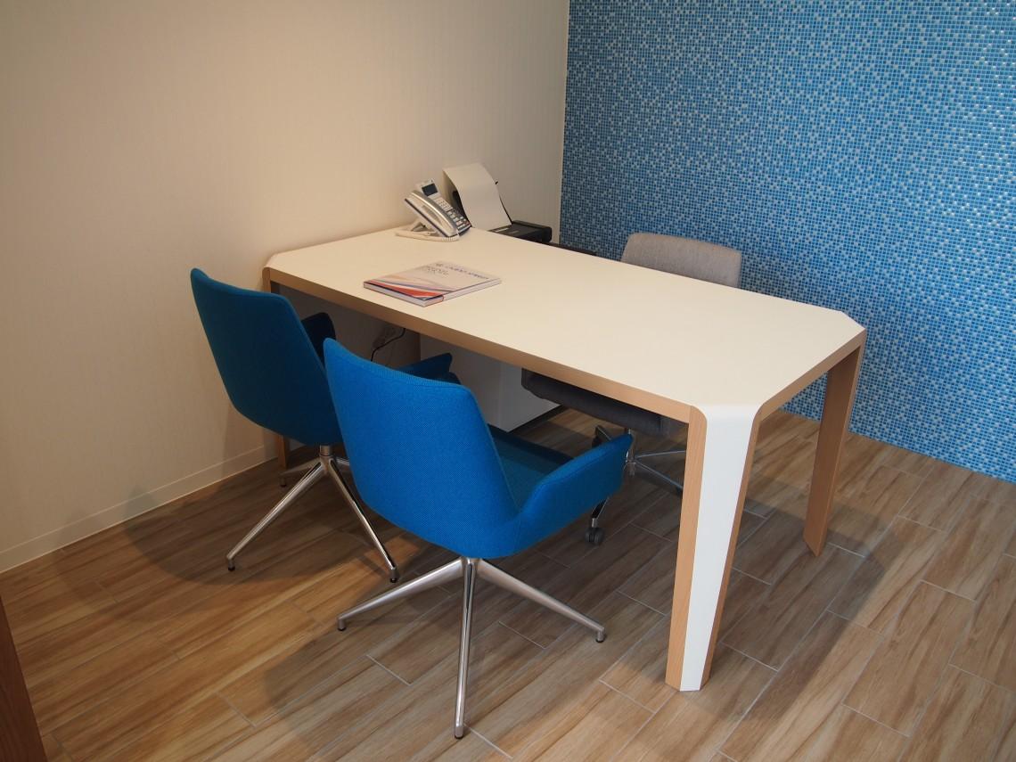 個室商談スペースもございます。ご商談に集中頂き、ご納得の1台を。
